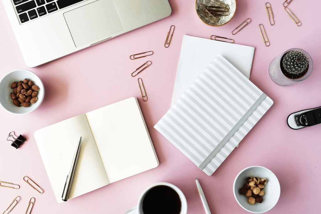 A cute organized desk - perfect to use for starting a money making blog.