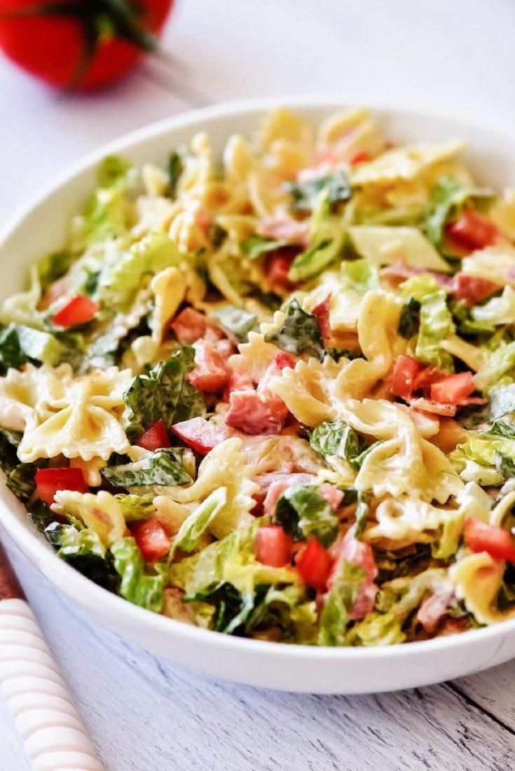 A delicious bowl of BLT pasta salad.