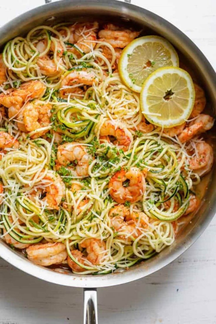 A full skillet of delicious healthy shrimp scampi.