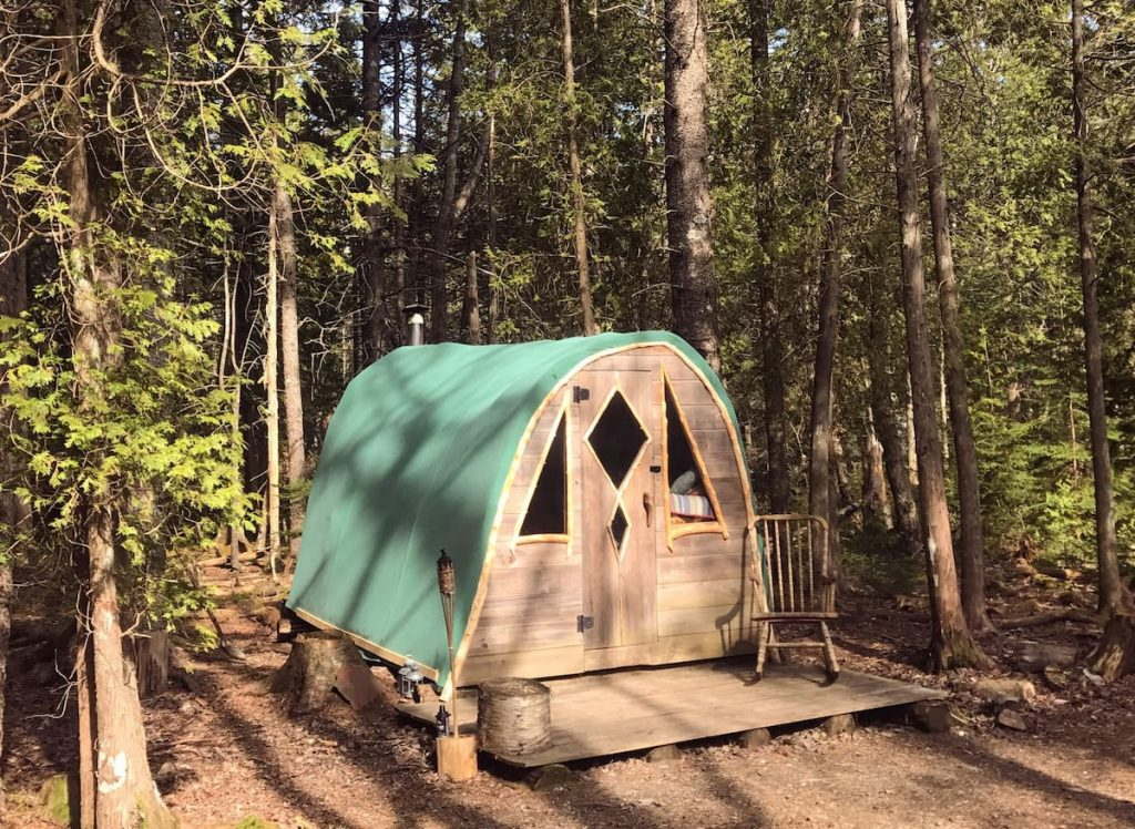 A small rustic cabin for rent in the woods of Maine.